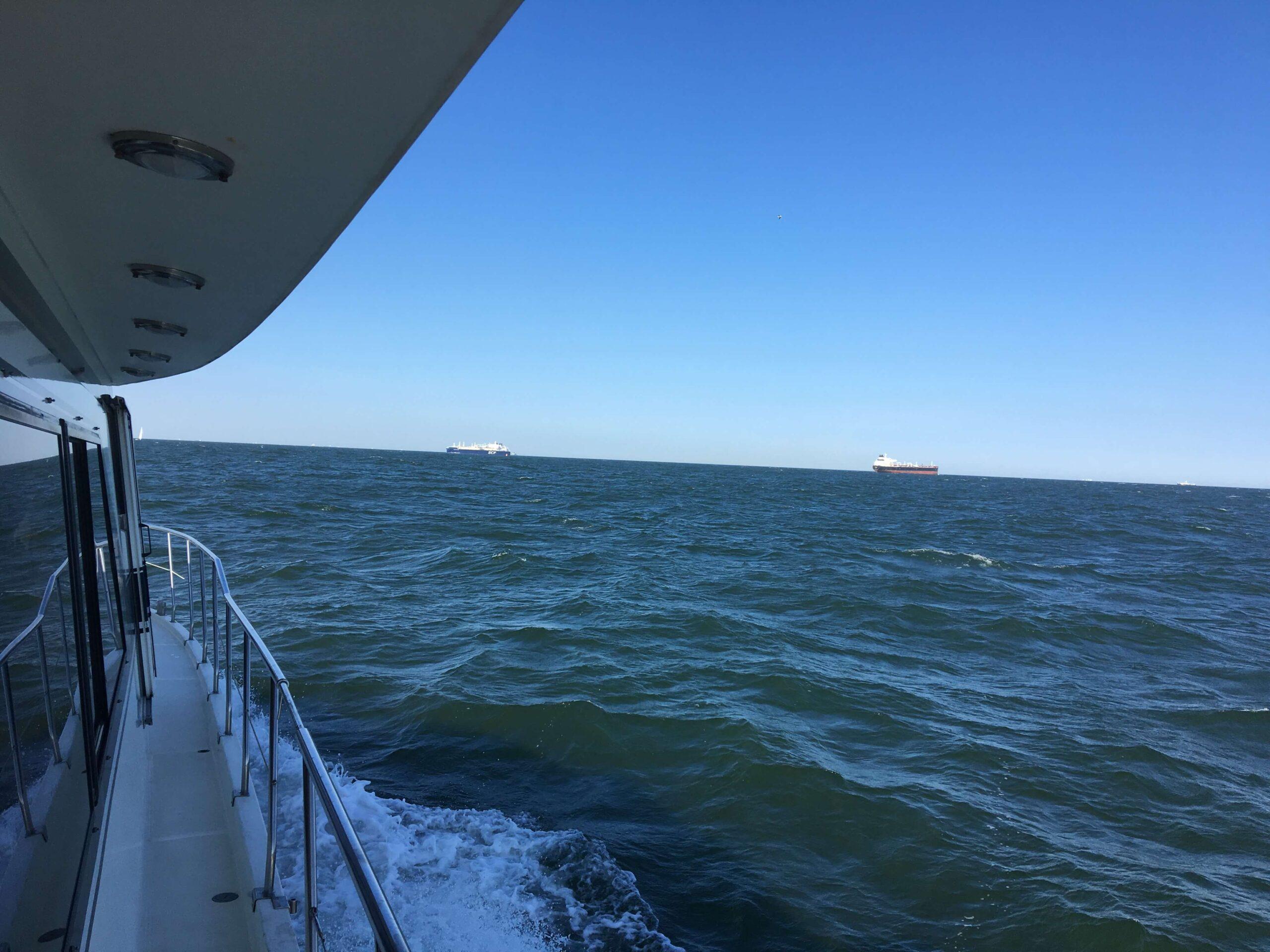 asverstrooien op zee